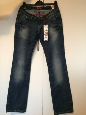 Schöne Fuga Jeans mit Preisschild