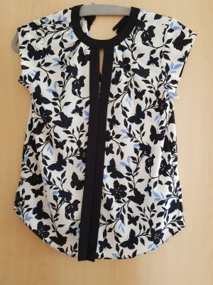 Schöne gemusterte Bluse