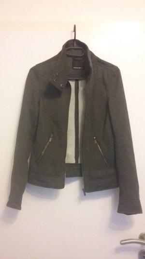 Schöne graue Jacke