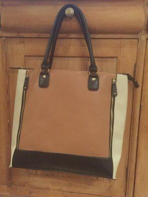 Schöne große Tasche/ vorne mit 2 Zierreißverschlüssen