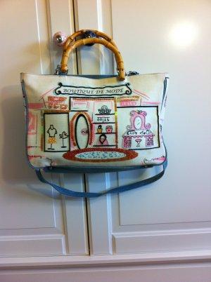 schöne Handtasche für den Sommer