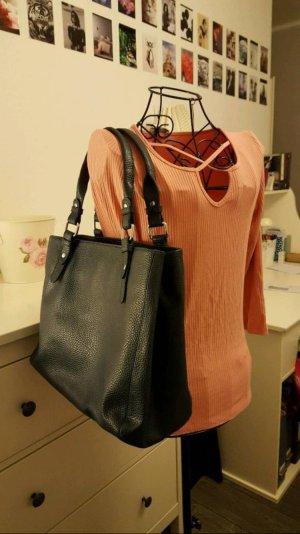 Schöne Handtasche in dunkelblau