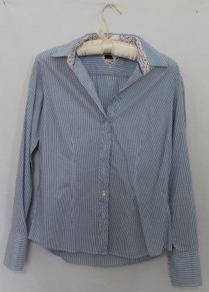 Schöne hellblau gestreifte Bluse von Tommy Hilfiger