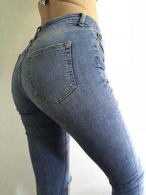 Schöne hellblaue Jeans