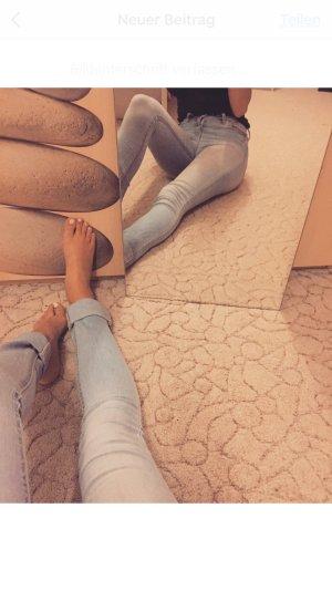 Schöne helle Hollister Jeans