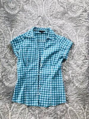 Schöne Hemd-Bluse figurbetont