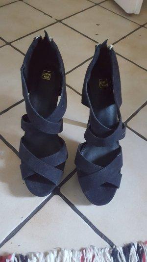 Schöne hohe Schuhe in Gr 37
