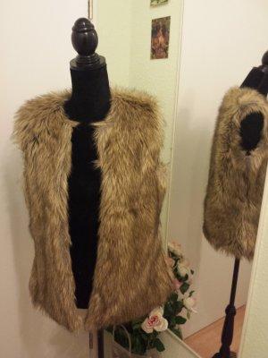 Schöne Jacke aus dickem Fake-Fur Webbpelz