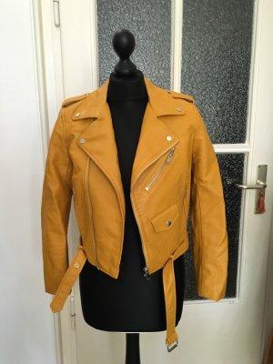 Schöne Jacke aus Lederimitat