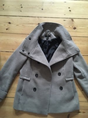 schöne Jacke beige/grau