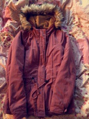 Schöne Jacke mit Kunstfell