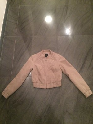 Schöne Jacke von Vero Moda in der Größe S