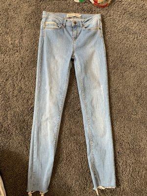 Jeans vita bassa azzurro