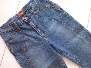 schöne Jeans-Hose,blau mit Nieten,tolle Passform