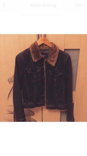 Schöne Jeans Jacke mit Fell