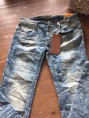 Schöne Jeans mit Muster