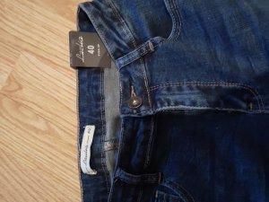 Schoene Jeans neu