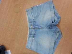 Schöne Jeansshort für heiße Tage Gr 26