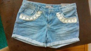 schöne Jeansshorts für den Sommer