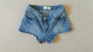 Schöne Jeansshorts von Pieces