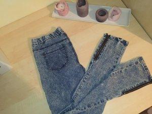 Schöne Jeggins / Jeans mit Reisverschlüssen am Beinende