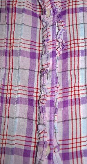 Schöne Karo-Bluse mit dezenten Rüschen