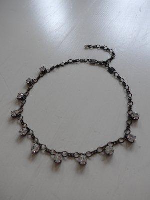 Schöne Kette mit Swarowskikristallen von Konplott