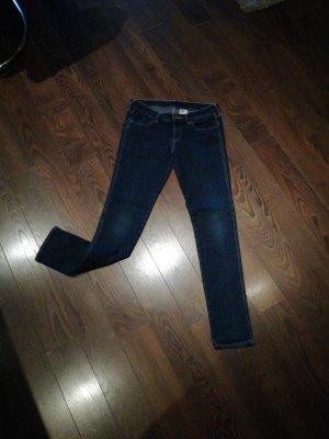 Schöne klassische Jeans
