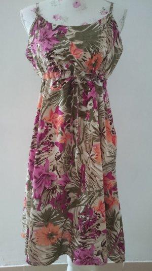 Schöne Kleid DESIGNER/S Gr 40