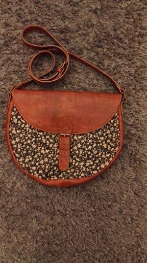schöne kleine Handtasche // Brandy & Melville // HOBO // Leder