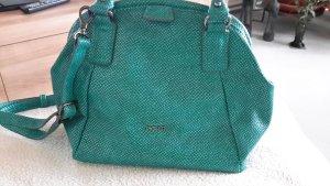 Schöne kleine Handtasche .wurde noch nie ausgeführt . Habe sie gekauft ,weil sie mir gefallen hat .Habe dann aber festgestellt ,ich bekomme meine vielen Sachen nicht hinein .