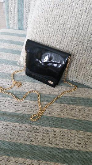 Schöne kleiner Umhängetasche schwarz lack.