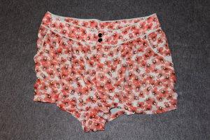 schöne kurze Hose aus Chiffon