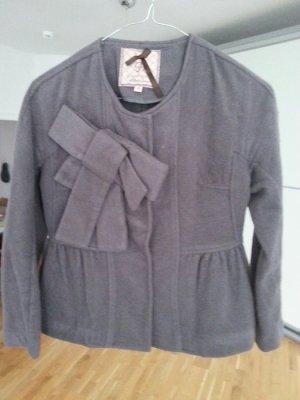Schöne kurze Jacke von Silvia Heach