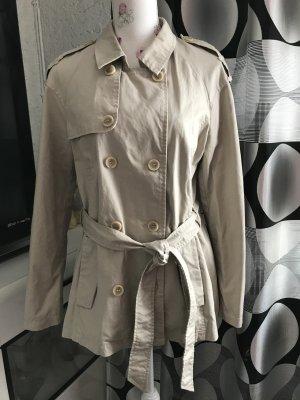 Schöne Kurze Mantel von C&A Gr 38