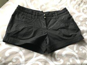 Schöne Kurze Shorts von Bonprix Gr 36
