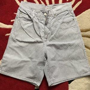 Schöne Kurze Shorts von Street One Gr 30