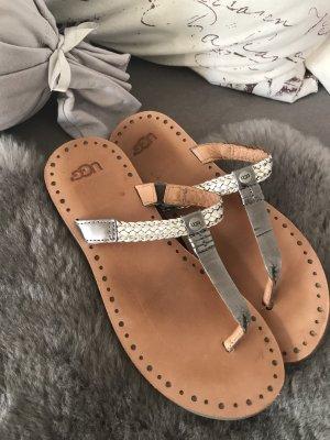 Schöne Leder-Flip-Flops * von UGG
