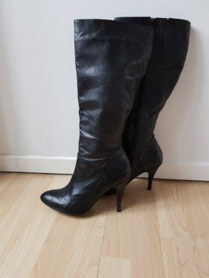 Schöne Leder Schaftstiefel in schwarz
