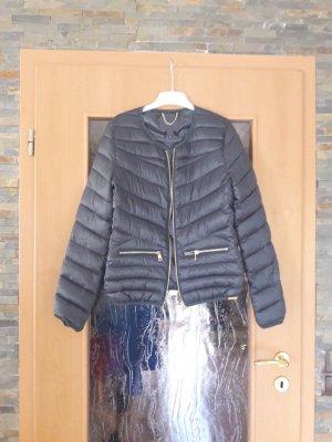Schöne leichte grüne Jacke