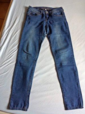 Schöne leichte Skinny Jeanshose von Amisu Gr. 27 (/38)