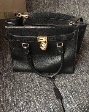 Schöne Michael Kors Tasche schwarz
