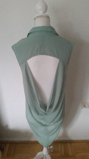 Schöne, mintfarbene Bluse ohne Ärmel mit tollem Wasserfallausschnitt am Rücken.