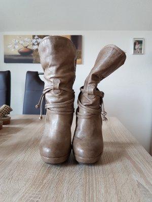 Schöne Mustang Boots Stiefeletten
