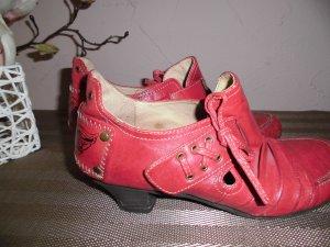 Schöne MUSTANG Schuhe  Grösse 37