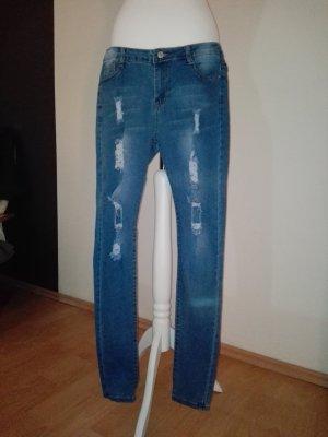 schöne neue hellblaue Jeans
