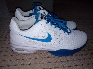 Schöne neue Nike Schuhe