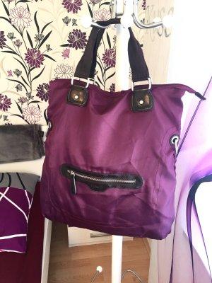 Schöne neuwertige L.Credi Tasche