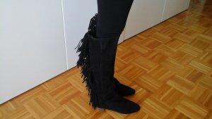 Schöne neuwertige lange Stiefel aus wildleder mit Fransen von Zara