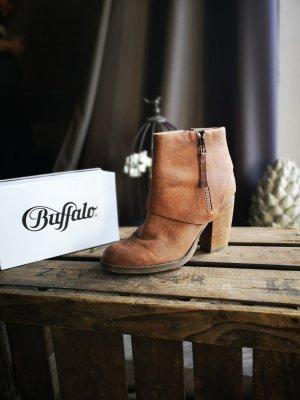 Schöne, neuwertige Stiefeletten von Buffalo Gr 39 Echtleder Cognac Highheels Ankle Boots Stiefel